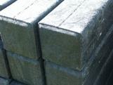 Paal vierkant met punt  4.3 x  4.3 x 150 cm